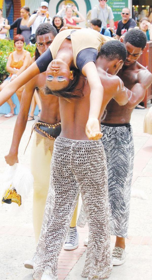 The Caribs abduct the Arawaks