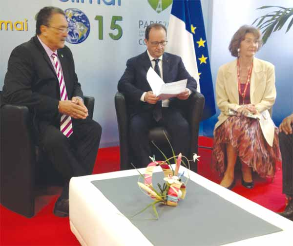 Prime Minister Dr. Kenny D. Anthony and French President Francois Hollande with the Head of the French development agency AFD during the Saint Lucia-France bilateral in Fort de France on Saturday, May 9th 2015. (Photo by: Earl Bousquet)
