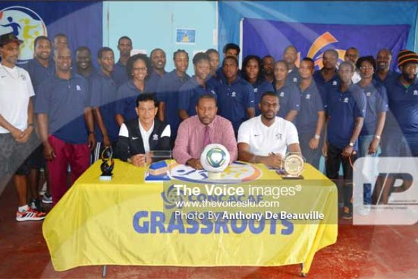 Image: SLFA President and 1st Vice President and course participants on Thursday morning. (PHOTO: Anthony De Beauville)