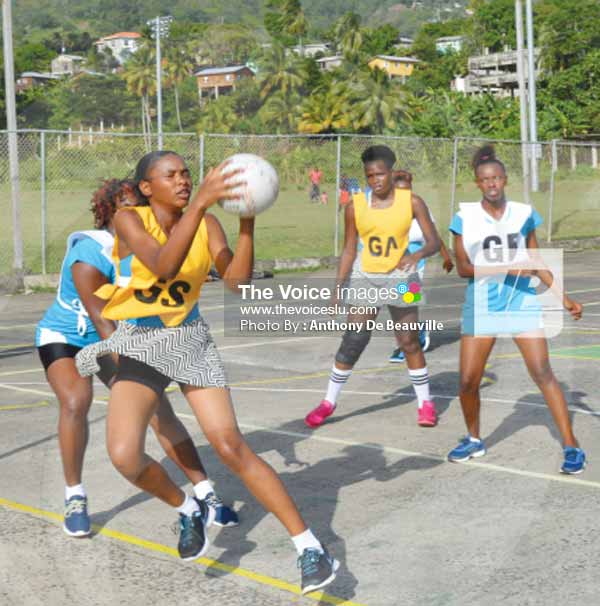 Image: Avengers (Goal Shoot) Siana Jameson netted 35 from 42 attempts against Mabouya Valley (Photo Anthony De Beauville)