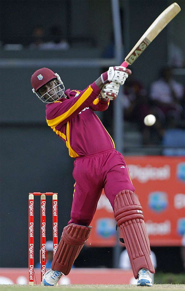 Image: Darren Sammy on the go (PHOTO: WICB Media)