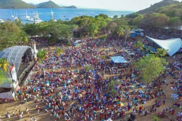 Image: An aerial shot of one of the Pigeon Island shows [PHOTO: SLTB]