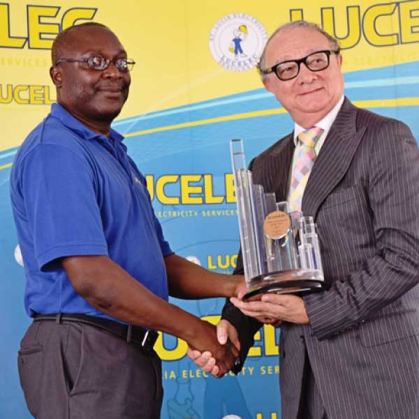 Image: Large Department of the Year Transmission & Distribution represented by Manager (Ag) Michael Thomas