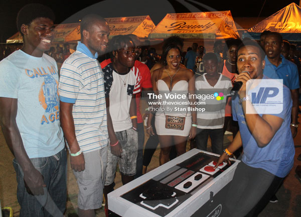 img: A PlayStation fan himself, MC Scady seemed impressed with the Nintendo cooler.