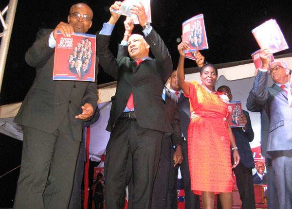 Manifesto held high by SLP candidates [PHOTO: Photo Mike]