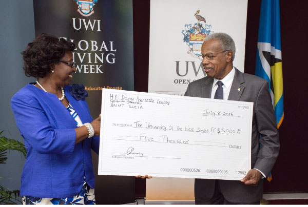 Image: GG presents her donation to Sir George