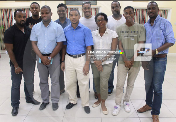 IMG: Some of the photographers who participated in last Wednesday's interactive photography session. [PHOTO: Stan Bishop]