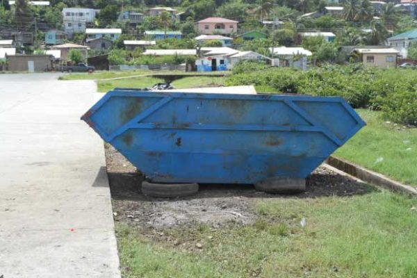 Image: A garbage bin in the Bruceville community