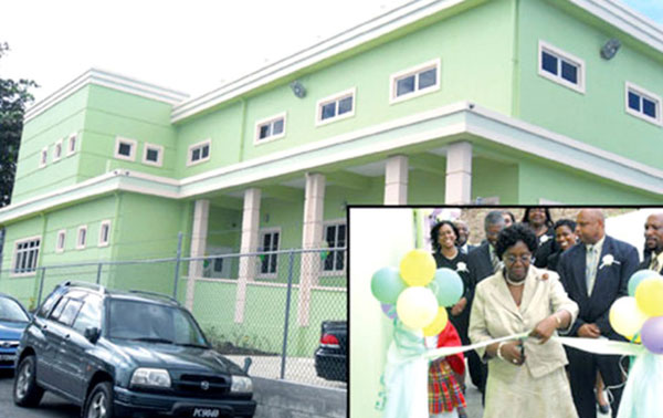 img: Governor General Dame Pearlette Louisy opens the laboratory.