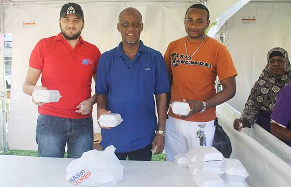 Image: Mayor Francis with Beauty Max officials getting ready to serve meals to the needy.