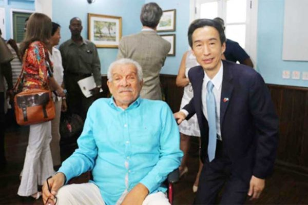 Image: Sir Derek Walcott posing with then Ambassador of the Republic of China(Taiwan) to Saint Lucia, Ray Mou.