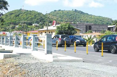 Image: Traffic along the Castries-Gros Islet highway.