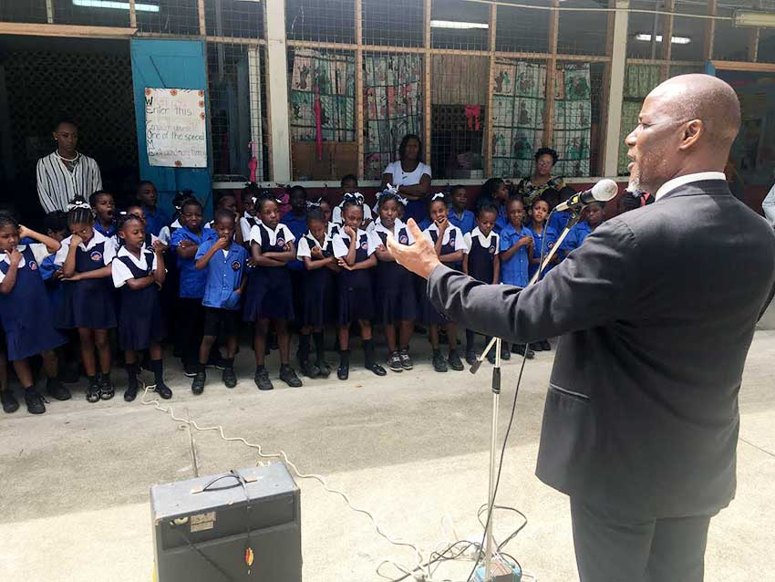 Image: Mayor Francis visiting a school.
