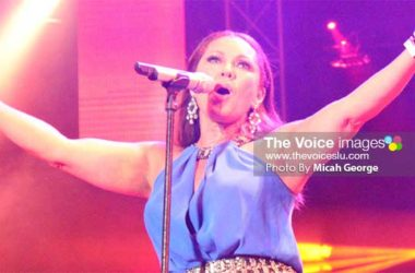 Image: Vanessa Williams warms up Mother's Day.