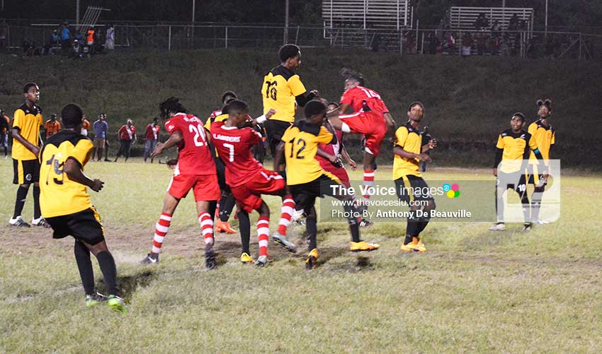 Image: Some of action between Sports Locker Northern United and KFC–GMC United. (Photo: Anthony De Beauville)