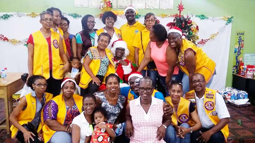 Image: Children's Christmas party La Croix Maingot Combined School.
