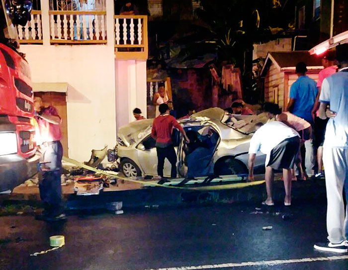 Image of a vehicular accident which claimed two young lives