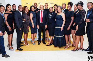 Image of CEO of Yello Media Group, Colin Francis (centre) with the Yello family.