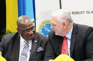 Image of MP Stephenson King & Prime Minister Allen Chastanet