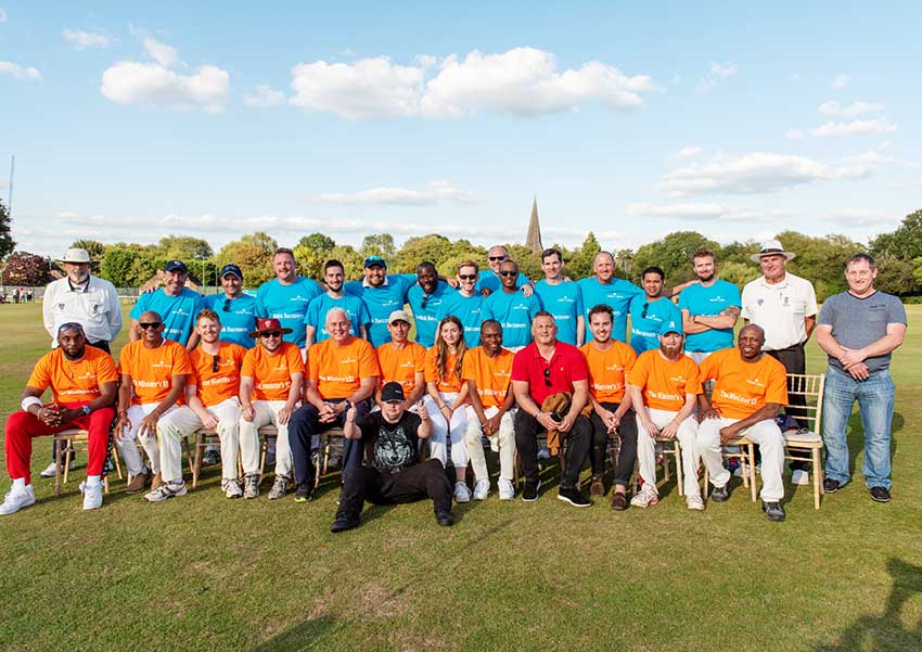 Image: Group shot of the participating teams in 'Bat for a Cause'.
