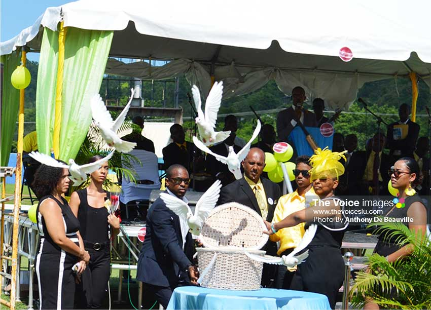 Image: Let peace and freedom reign, Doves being released by Chaz' Mother Samina James Cepal.(Photo: Anthony De Beauville)