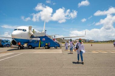 Image of team arriving from Cuba