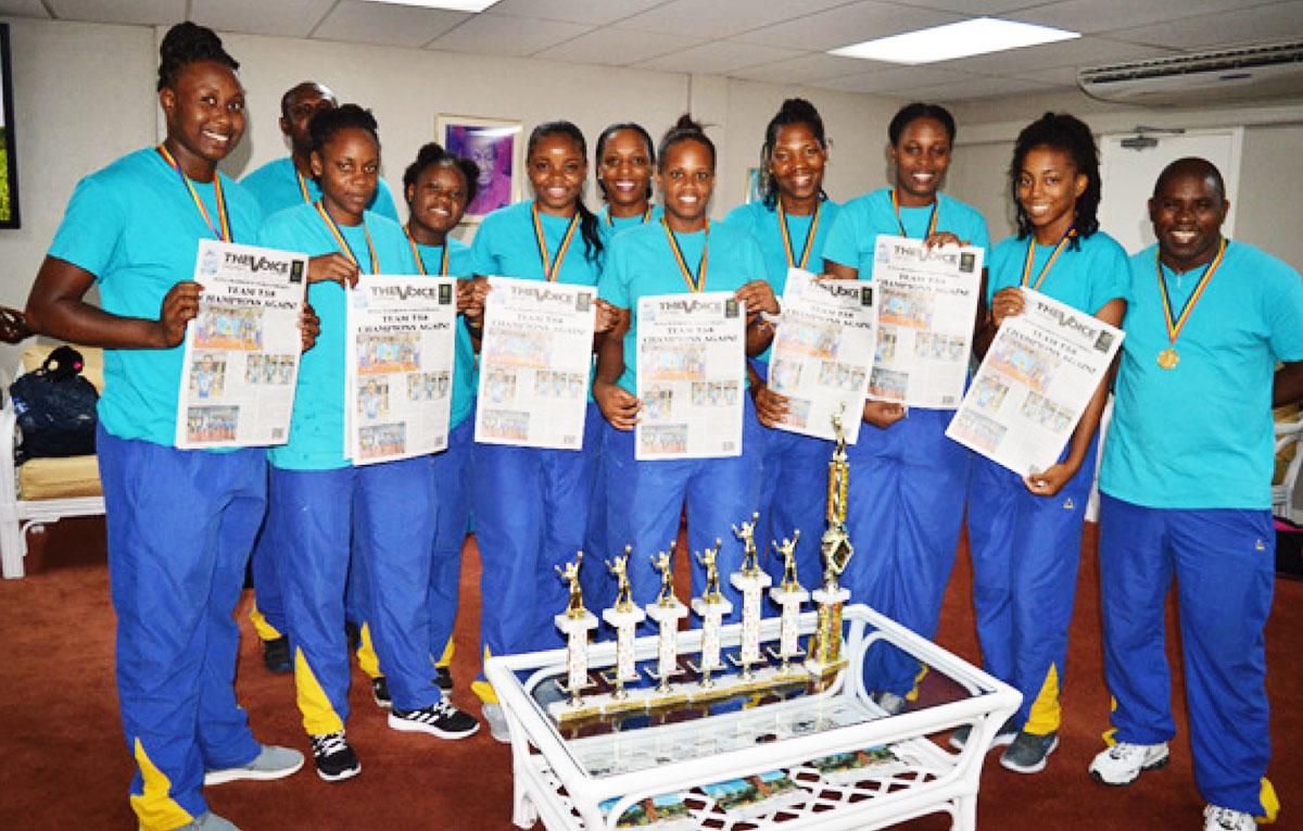 Imagen: Campeonas de la Asociación de Voleibol del Caribe Oriental (ECVA) de Santa Lucía.  (FOTO: Anthony De Beauville)