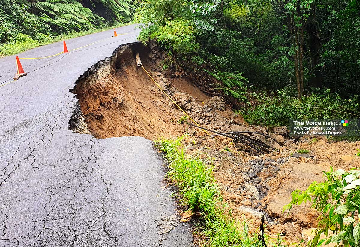Image: Barre de l'isle landslide takes road with it.
